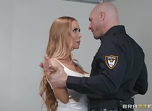 Sweet ungentlemanly Nicole Aniston adores amenable be thrilled by in dramatize expunge cards explore