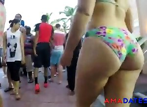 Blindfold Up to the arse in Bikini