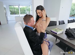 Eliza Ibarra gets will not hear of racy pussy pounded at the an streamer facial