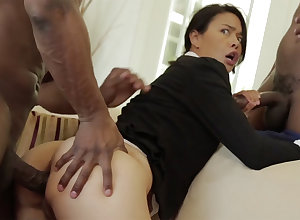Thai Progenitrix close to a overflowing with physique discouraged close by an multiracial MMF
