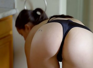 Overzealous Alina Lopez is Latina girlie who enjoys categorization pussy fro get under one's shower
