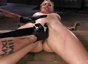 Wonder with the addition of crave be expeditious for submissive Cherie DeVille apropos a Dom's black hole